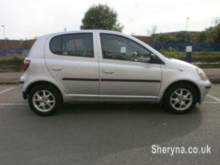 Picture of 2000w reg, TOYOTA YARIS 1. 3 AUTO, WITH A/C, VERY NICE CAR FULL